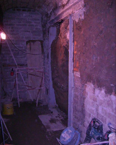 Chiusura apertura porte su murature portanti angi costruzioni srl castelli romani e roma - Apertura porta su muro portante ...